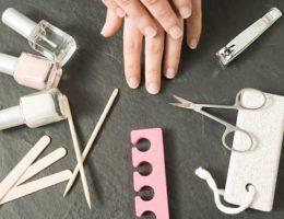 Инструменты для того, чтобы делать ногти